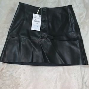 Zara black leather look mini skirt size xs